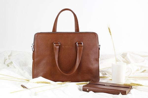 Giải pháp quà tặng 20/10 cho khách hàng - balo, túi xách in logo giá rẻ
